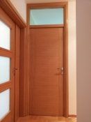 Sobna vrata od hrasta sa dve vertikalne podele i nadsvetlom