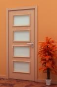Sobna vrata od furnira bukve sa 4 otvora za staklo